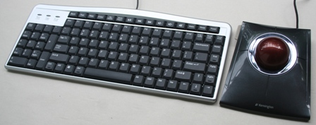Slimblade Trackball Mouse with an Evoluent keyboard