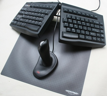 Ergonomic Mouse to the center of a Goldtouch Keyboard