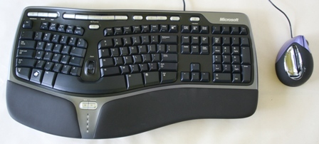 Microsoft Natural Ergo Keyboard 4000 + Evoluent VerticalMouse 4 (small)